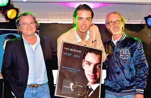 Yves Berendse met zijn producer en tekstschrijver